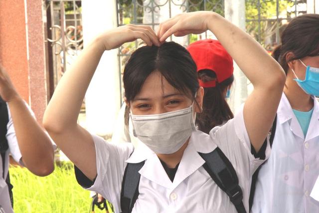 Sinh viên trường y xuất quân chi viện Bắc Ninh, Bắc Giang chống dịch - Ảnh 13.