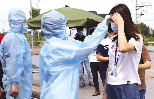 Thứ trưởng Bộ Y tế: Ca mới trong tầm kiểm soát, Bắc Ninh cần rà soát lại kịch bản để luôn trong tâm thế chủ động - Ảnh 4.