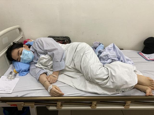 Cùng lúc mắc 2 bệnh, người phụ nữ bất hạnh đau đớn trong bệnh tật vì nghèo - Ảnh 2.