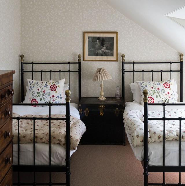 9 ý tưởng thông minh để mở rộng tối đa không gian cho phòng ngủ nhỏ - Ảnh 1.