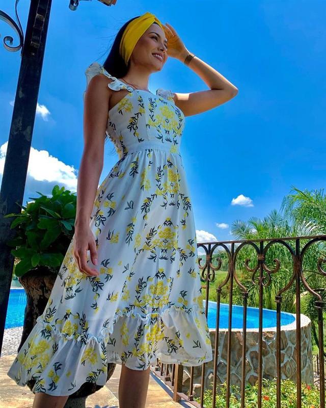 Style đời thường của Tân Hoa hậu Hoàn vũ Mexico: Chuẩn bánh bèo chúa khi diện toàn váy áo hoa lá hẹ - Ảnh 13.