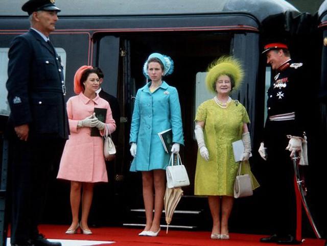 Nữ hoàng chỉ tin ba người nhưng cả ba đều đã qua đời - Ảnh 4.