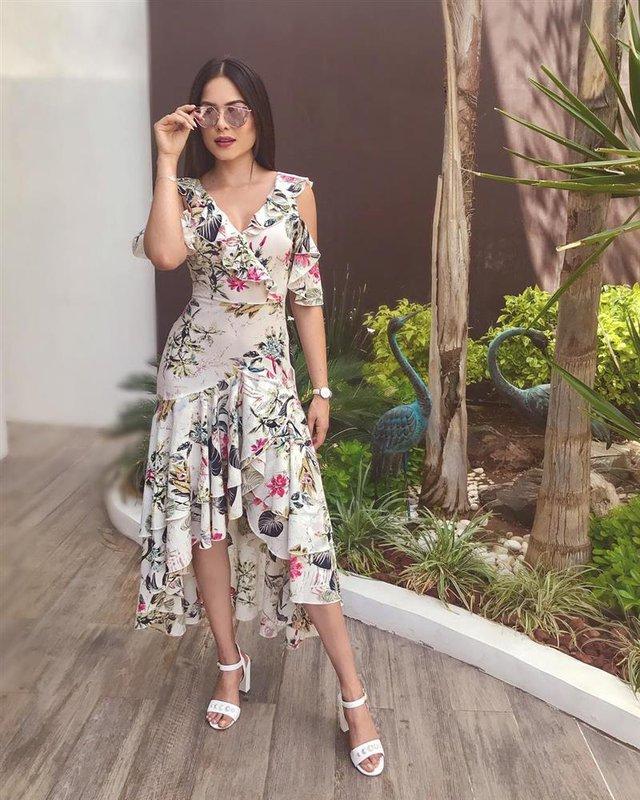 Style đời thường của Tân Hoa hậu Hoàn vũ Mexico: Chuẩn bánh bèo chúa khi diện toàn váy áo hoa lá hẹ - Ảnh 7.