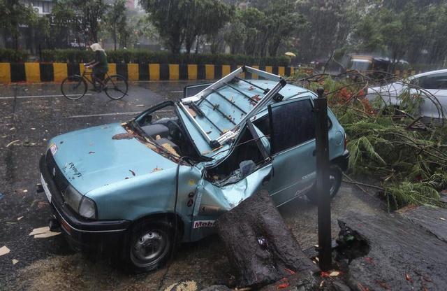 Chưa hết địa ngục trần gian COVID-19, người dân Ấn Độ lại sắp hứng chịu siêu bão mạnh nhất trong vòng 20 năm - Ảnh 4.