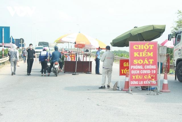 Hoả tốc: Thành phố Bắc Ninh thực hiện giãn cách xã hội từ 6 giờ sáng nay, tạm đình chỉ các cơ sở sản xuất, kinh doanh dịch vụ - Ảnh 3.