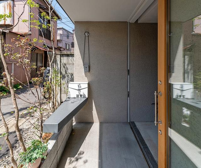 Căn nhà phố với mặt tiền tối giản nhưng đem lại sự hài hòa đến bất ngờ ở Nhật Bản - Ảnh 3.