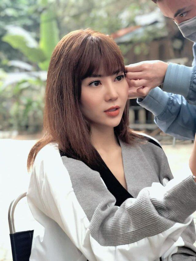 Thanh Hương lột xác thành gái quê trong phim thế sóng Hướng dương ngược nắng - Ảnh 4.