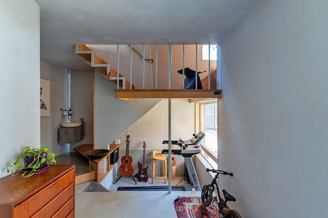 Căn nhà phố với mặt tiền tối giản nhưng đem lại sự hài hòa đến bất ngờ ở Nhật Bản - Ảnh 4.