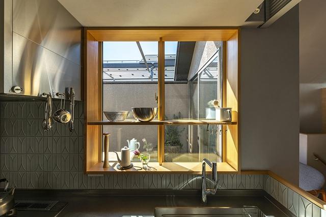 Căn nhà phố với mặt tiền tối giản nhưng đem lại sự hài hòa đến bất ngờ ở Nhật Bản - Ảnh 6.
