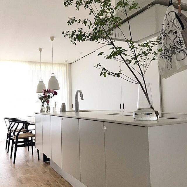 Bếp mà chẳng thấy bếp đâu - thiết kế lưu trữ độc đáo gấp đôi không gian lại cực sạch đẹp dành cho những căn bếp mở - Ảnh 3.