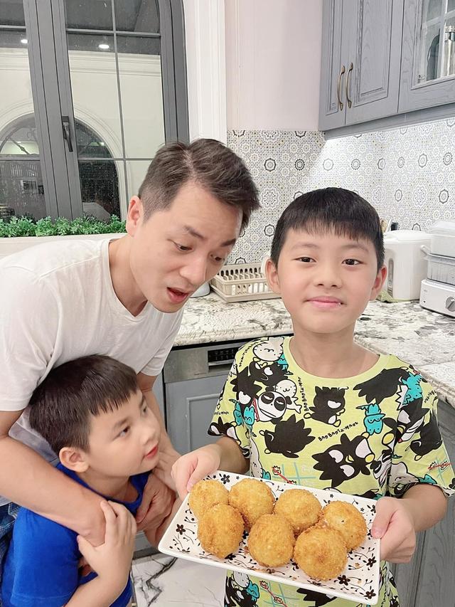 Thử làm khoai tây viên bọc phô mai chiên xù theo công thức nhà Đăng Khôi, đảm bảo bé nào cũng mê tít - Ảnh 13.