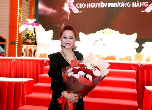 Đại gia Phương Hằng và cuộc đại náo chấn động giới showbiz - Ảnh 2.