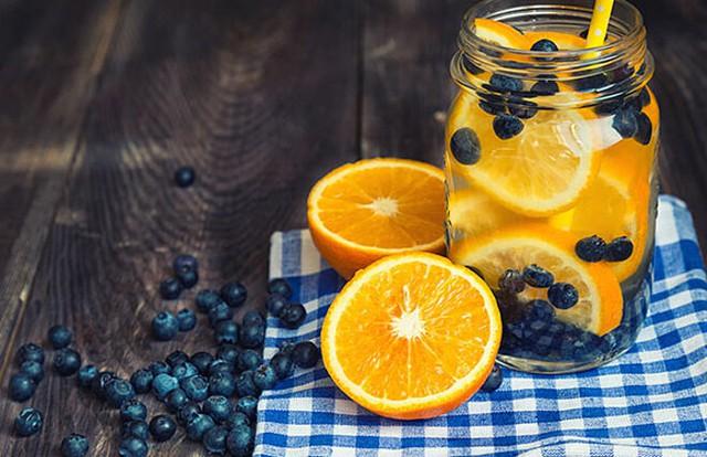 5 công thức detox từ cam giúp nàng eo thon dáng đẹp trở lại sau kỳ nghỉ lễ - Ảnh 3.
