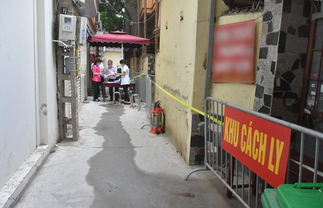 Hà Nội: Nam Từ Liêm có 6 F1, 10 F2 liên quan đến ca nhiễm ngồi gần người Trung Quốc trên chuyến bay Đà Nẵng – Hà Nội - Ảnh 2.