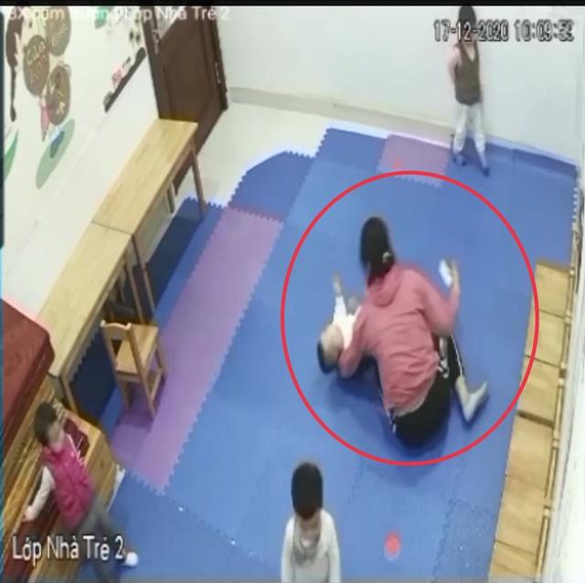 Hà Nội: Bé trai 2 tuổi phải nhập viện cấp cứu, bị xuất huyết não khi đang học tại trường mầm non thực nghiệm Việt Anh - Ảnh 3.