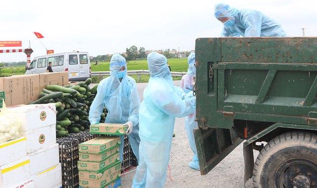 Hà Nam lập 27 điểm phát nhu yếu phẩm cho hơn 9.000 dân trong khu cách ly - Ảnh 4.