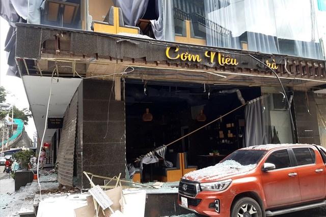 Nổ lớn ở quán ăn trong chung cư TP Hạ Long, Quảng Ninh - Ảnh 1.