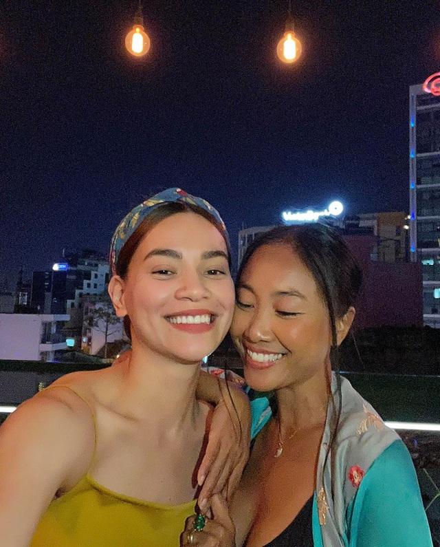 """Subeo nhà Hồ Ngọc Hà cùng con gái Đoan Trang chiếm trọn """"spotlight"""" khi chung khung hình với bố mẹ - Ảnh 3."""