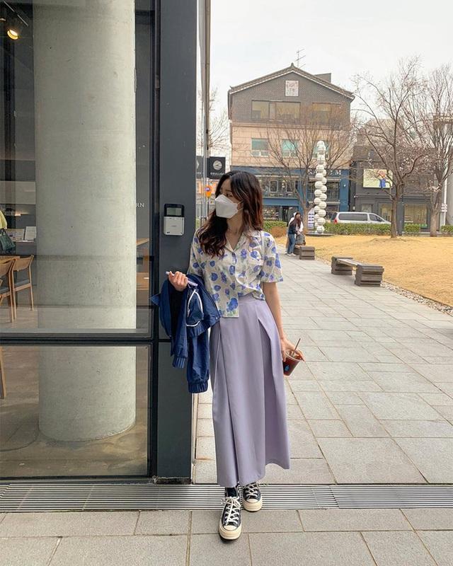 10 cách diện áo hoa cực xinh yêu từ gái Hàn, áp dụng theo thì style chỉ có chuẩn sang xịn - Ảnh 8.