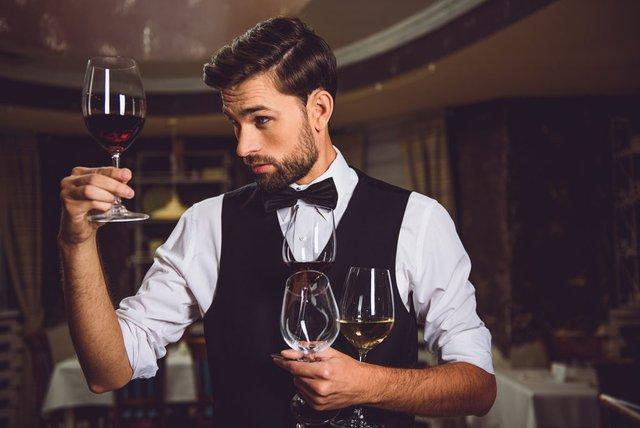 Việc nhẹ lương cao: Chỉ ăn rồi ngồi thử rượu cũng bỏ túi cả đống tiền - Ảnh 4.