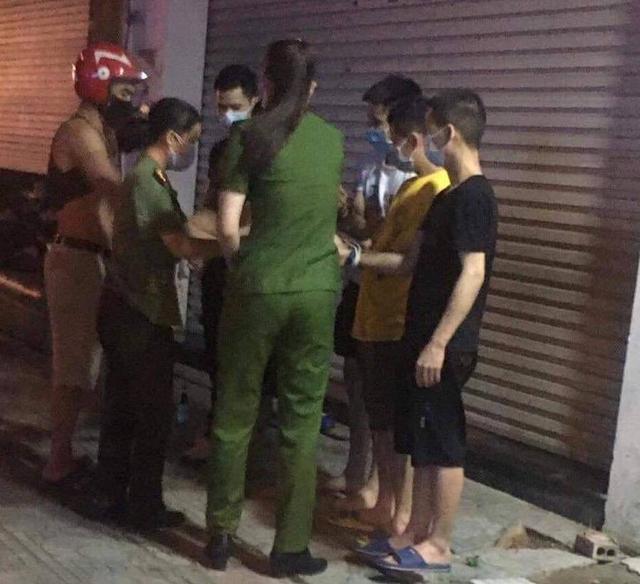 Bắt giam một phụ nữ liên quan việc đưa 52 người Trung Quốc nhập cảnh trái phép tại Vĩnh Phúc - Ảnh 2.