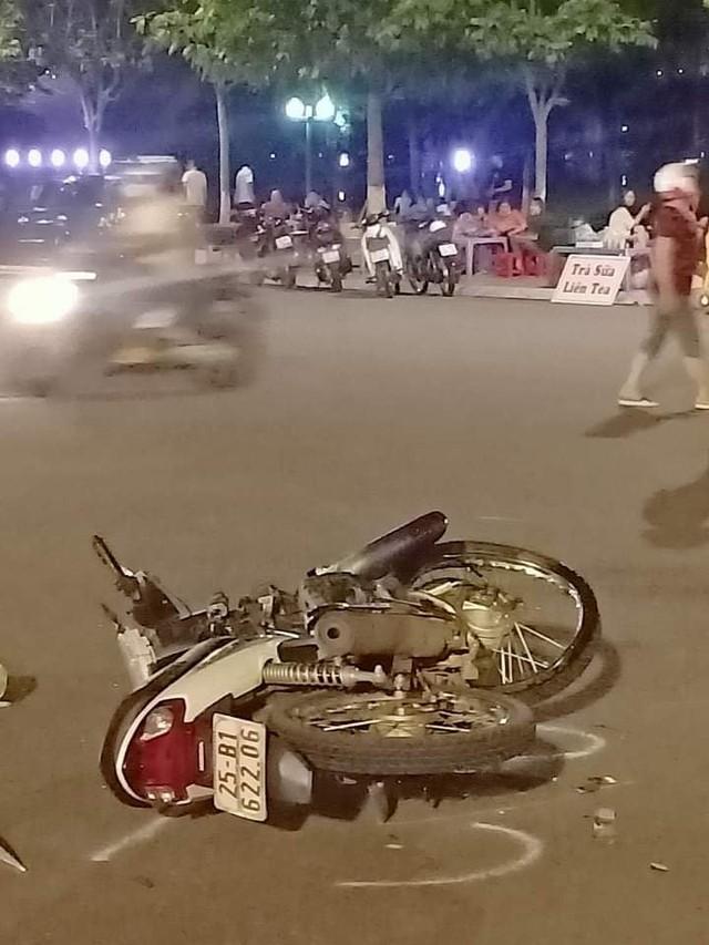Lai Châu: Thiếu niên 16 tuổi đi xe máy tử vong sau va chạm với ô tô - Ảnh 2.