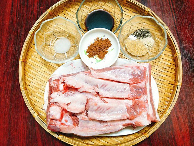 Nấu ăn với nồi chiên không dầu, nàng dâu hào môn Tăng Thanh Hà khéo làm món thịt ba chỉ chiên khiến ai cũng trầm trồ  - Ảnh 12.
