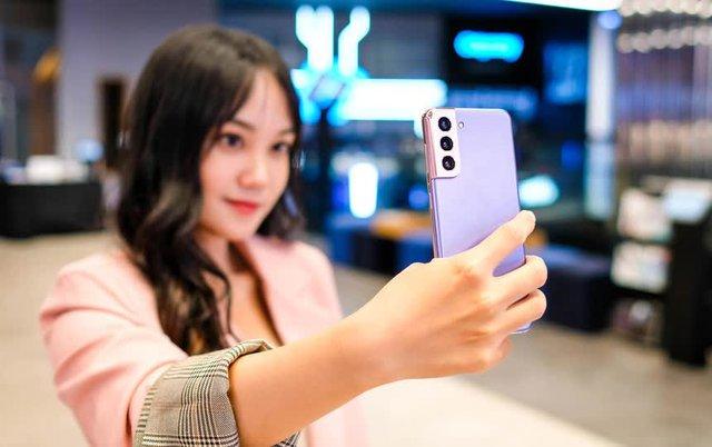 Những mẫu smartphone mỏng nhẹ nhất tại Việt Nam - Ảnh 4.