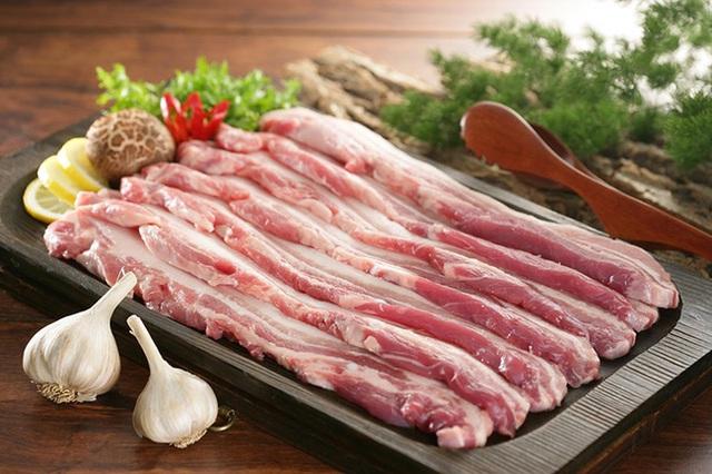 Nấu ăn với nồi chiên không dầu, nàng dâu hào môn Tăng Thanh Hà khéo làm món thịt ba chỉ chiên khiến ai cũng trầm trồ  - Ảnh 5.