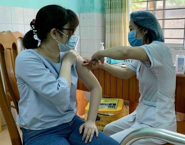 Vĩnh Phúc đề xuất chi hơn 342 tỉ đồng tiêm vaccine COVID-19 miễn phí cho người dân - Ảnh 3.