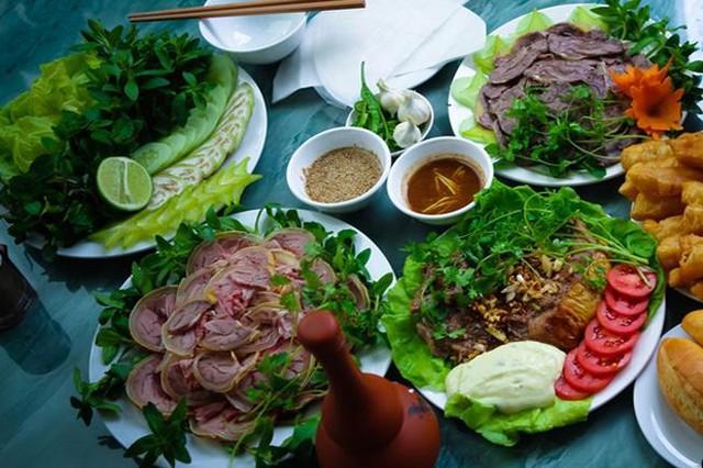 Đặc sản bê thui xứ Quảng khách lũ lượt kéo đến ăn nhờ hương vị rất riêng - Ảnh 3.