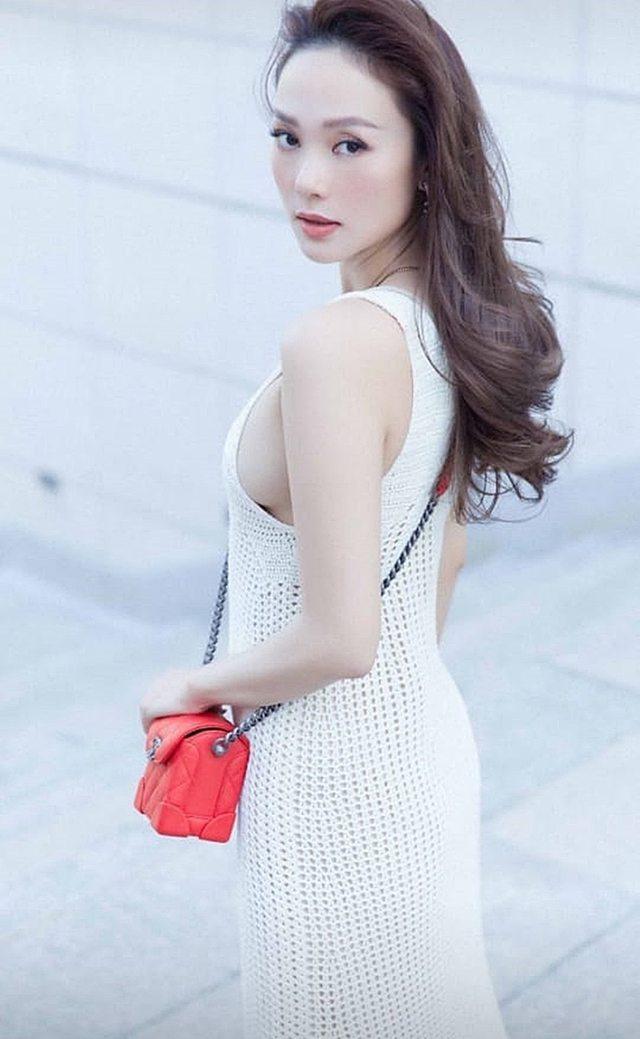 Đồ len móc lưới đâu chỉ diện vào mùa đông, sao Việt còn ốp luôn cho outfit ngày hè - Ảnh 2.