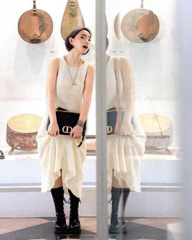 Đồ len móc lưới đâu chỉ diện vào mùa đông, sao Việt còn ốp luôn cho outfit ngày hè - Ảnh 3.