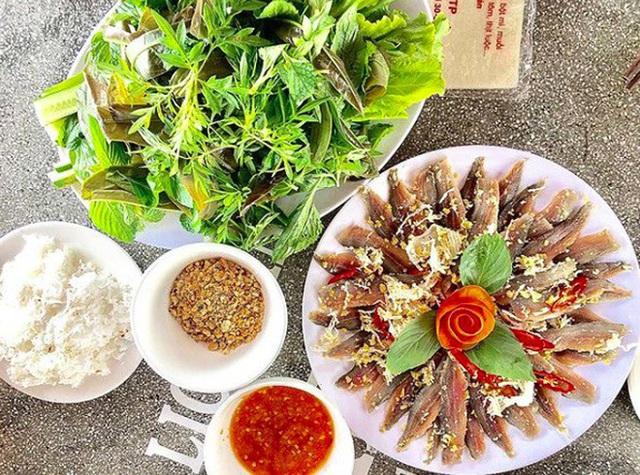 Món gỏi cá ăn mãi không chán ở Phú Quốc - Ảnh 3.
