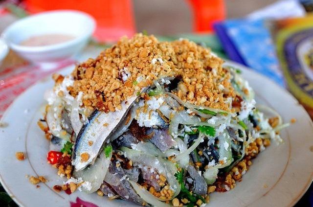 Món gỏi cá ăn mãi không chán ở Phú Quốc - Ảnh 1.