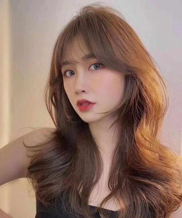 Kiểu tóc xoăn cực sang mặt, hợp cả nàng tóc dài đến tóc ngắn - Ảnh 2.