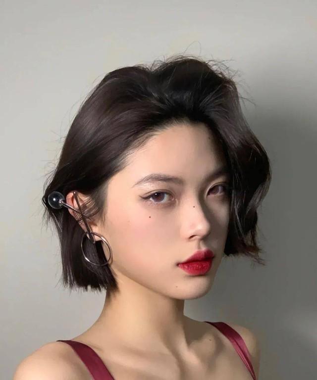 Kiểu tóc xoăn cực sang mặt, hợp cả nàng tóc dài đến tóc ngắn - Ảnh 16.