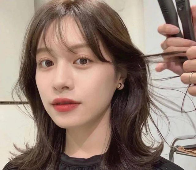Kiểu tóc xoăn cực sang mặt, hợp cả nàng tóc dài đến tóc ngắn - Ảnh 10.