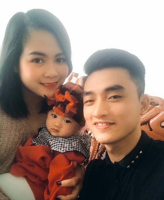 Nguyễn Thị Đào và Nguyễn Duy Ngọc phải hoãn cưới 4 lần vì dịch Covid-19. Ảnh: NVCC.