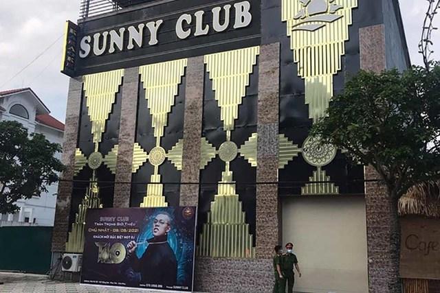 Vĩnh Phúc: Công an điều tra thông tin clip nóng được cho diễn ra tại ổ dịch quán bar Sunny - Ảnh 3.