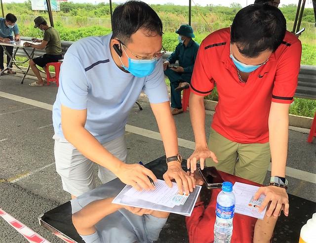 Hình ảnh ngày đầu tái lập chốt kiểm soát phòng chống dịch COVID-19 ở Quảng Ninh - Ảnh 5.