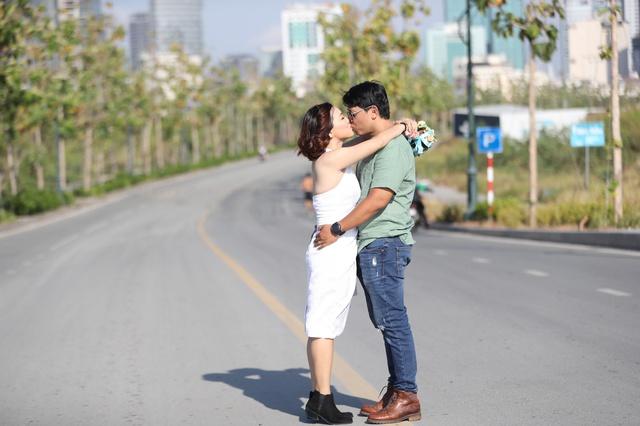 Yêu và cưới mối tình đầu sau 5 năm làm mẹ đơn thân - Ảnh 2.