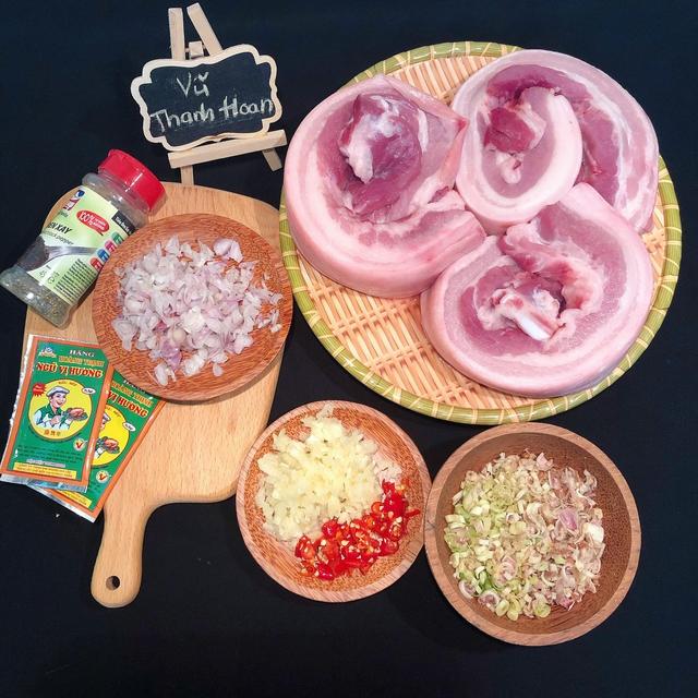 Nắng nóng đặc biệt gay gắt thì đem thịt ra phơi, làm 1 ngày có món ngon ăn cả năm không chán - Ảnh 2.