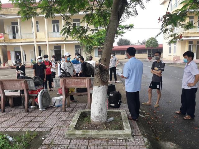 Người cha đặc biệt trong khu cách ly nam ở Nam Định - Ảnh 3.