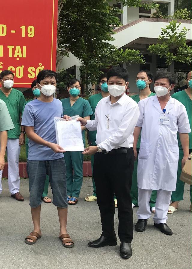2 bệnh nhân COVID-19 nặng đầu tiên ở Bắc Giang khỏi bệnh - Ảnh 6.