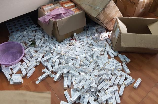 Hà Nội: Phát hiện đường dây sản xuất gần 1 tấn mỹ phẩm giả - Ảnh 2.