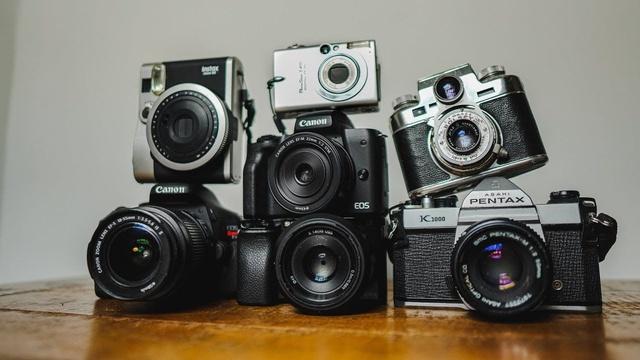 Câu chuyện về cha đẻ chiếc camera kỹ thuật số đầu tiên - Ảnh 1.