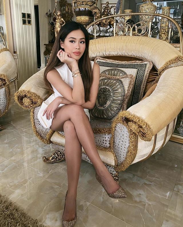 ستارگان ویتنامی هنگام حضور در خانه در فصل اپیدمی ، رنگ سفید را ترجیح می دهند - عکس 2.