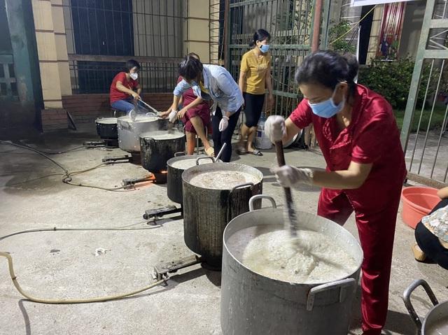 7500 suất cháo nhung hươu tặng y bác sĩ chống dịch tại Bắc Giang - Ảnh 2.