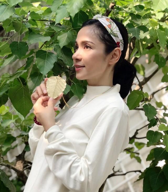 Đời thường trẻ trung tuổi 49 của diễn viên Việt Trinh - Ảnh 12.